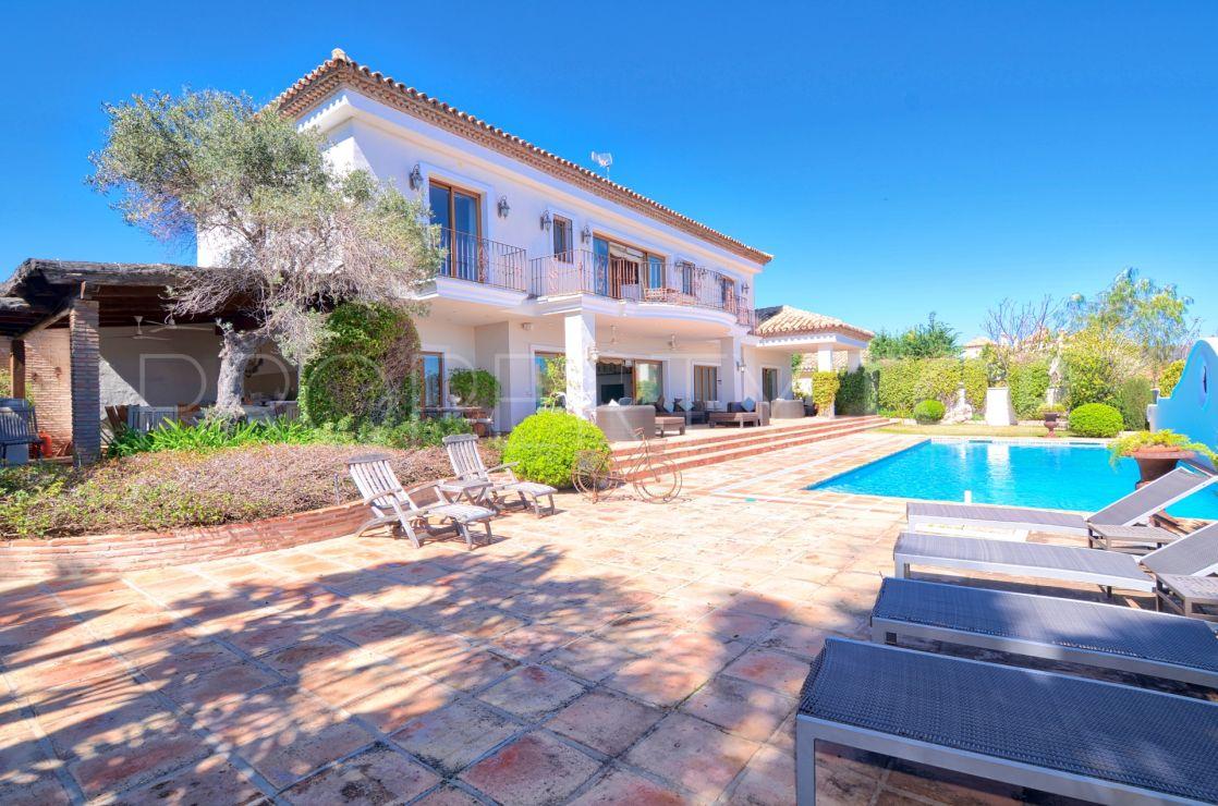 5 bedrooms villa in Monte Halcones for