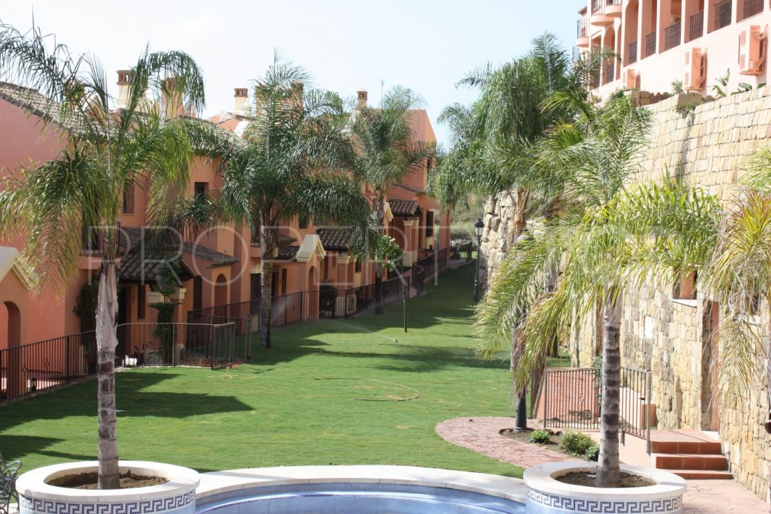 Town house for sale in Estepona Golf with 3 bedrooms | Hansa Realty