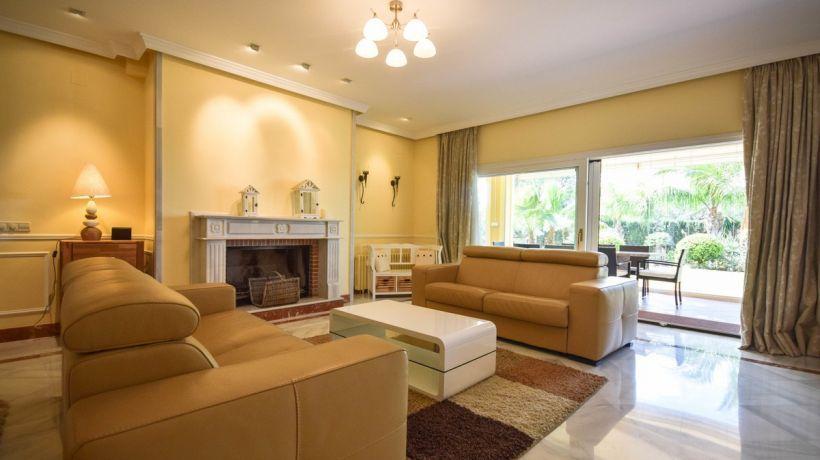 Villa for short term rent in Marbesa, Marbella East