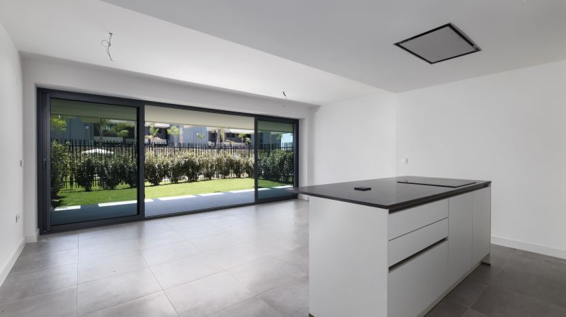 Ground Floor Apartment for sale in La Resina Golf, Estepona