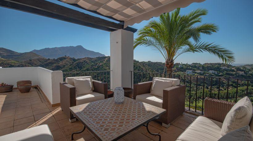Apartment for long term rent in Altos de La Quinta, Benahavis