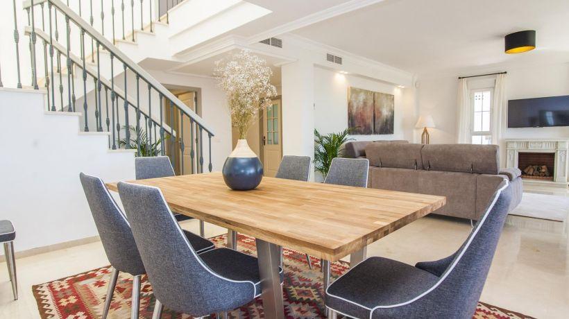 Penthouse for long term rent in Bahia de Marbella, Marbella East