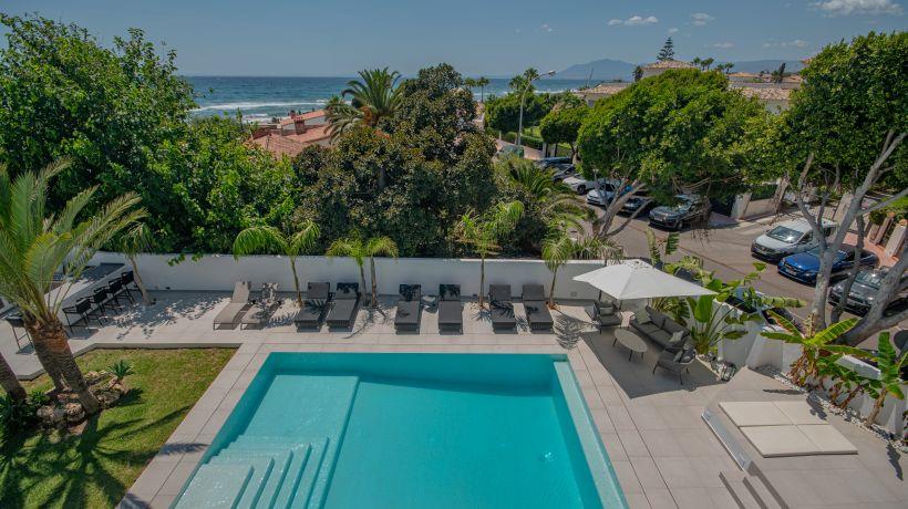 Villa for short term rent in Costabella, Marbella East