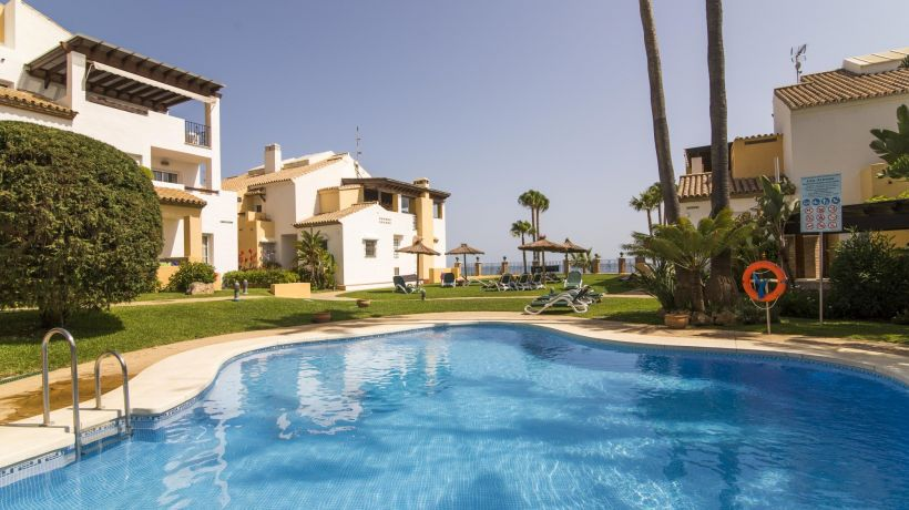 3 bedroom duplex penthouse and next to the beaches and golf courses