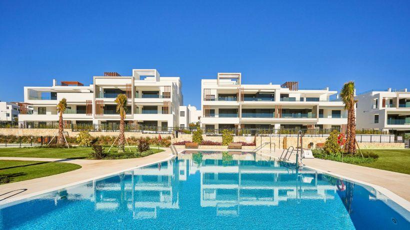 Ground Floor Apartment for sale in Los Miradores del Sol, Estepona