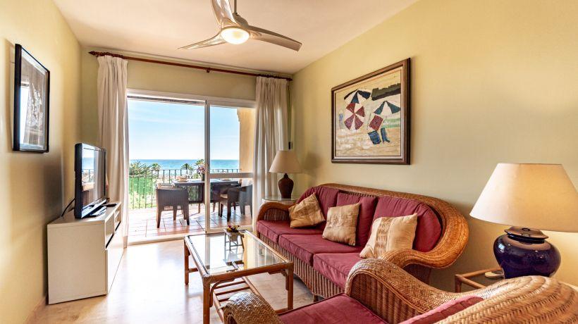Apartamento En alquiler de corta temporada en Costabella, Marbella Este