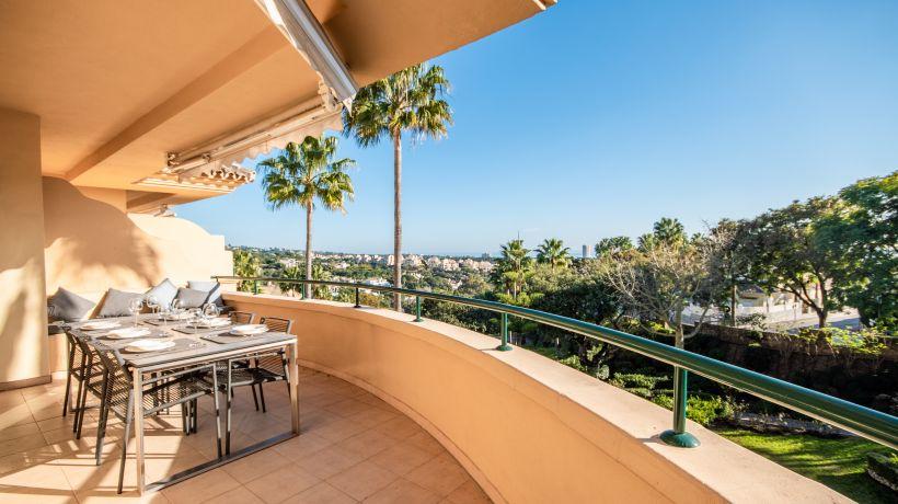 Apartment for short term rent in Elviria Hills, Marbella East