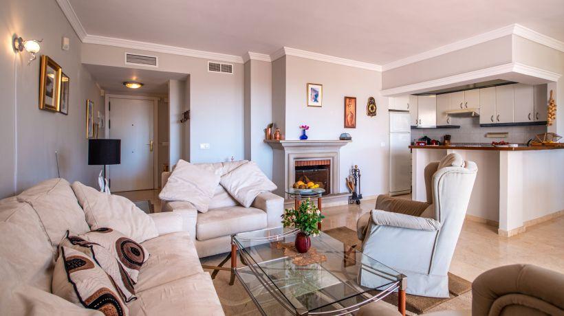 Apartment for long term rent in Elviria, Marbella East