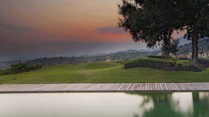 Minimalist villa with sea views in Reserva del Higuerón, Benalmádena