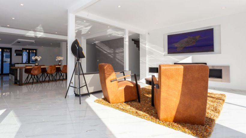 Completely renovated villa with sea views in Los Monteros, Marbella