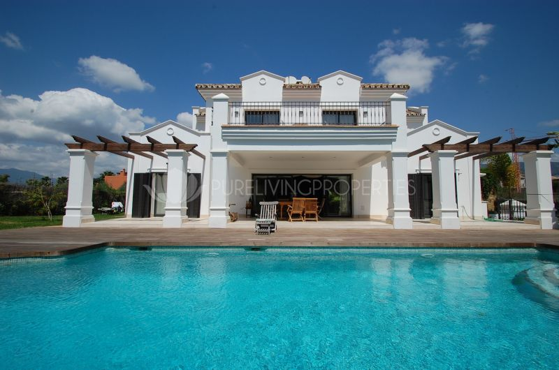 Luxury Villa in Altos de Puente Romano