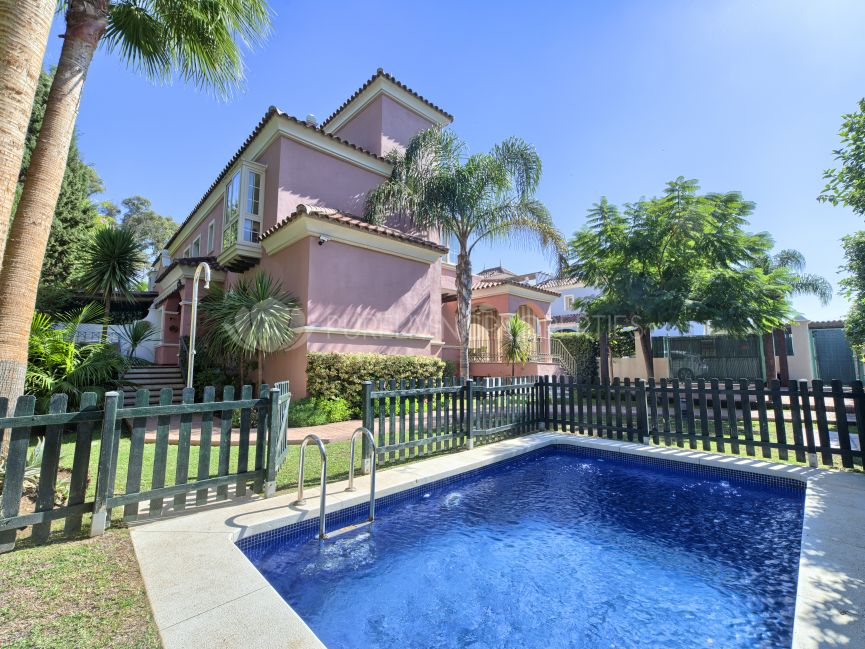 Semi Detached Villa in Lorea Playa next to Puerto Banús