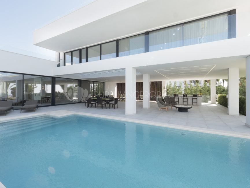 Modern Villa with sea views in La Alquería, Benahavis