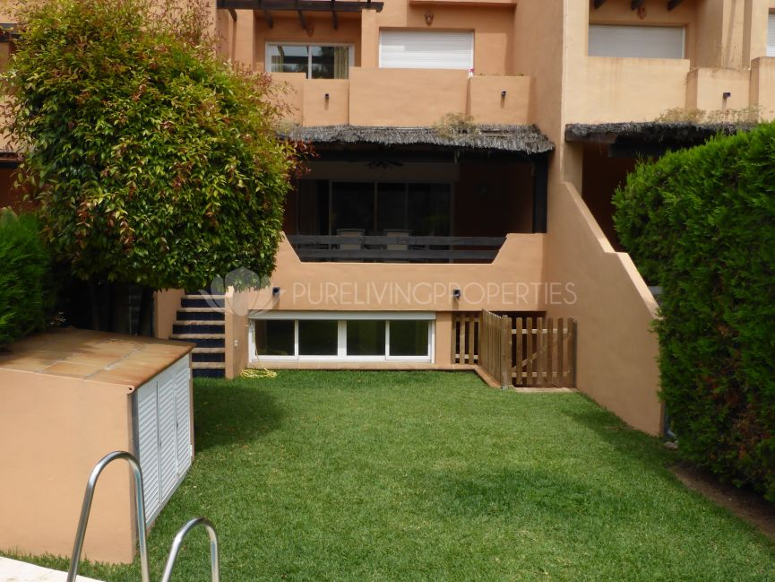 Great townhouse for rent next to Puente Romano Hotel