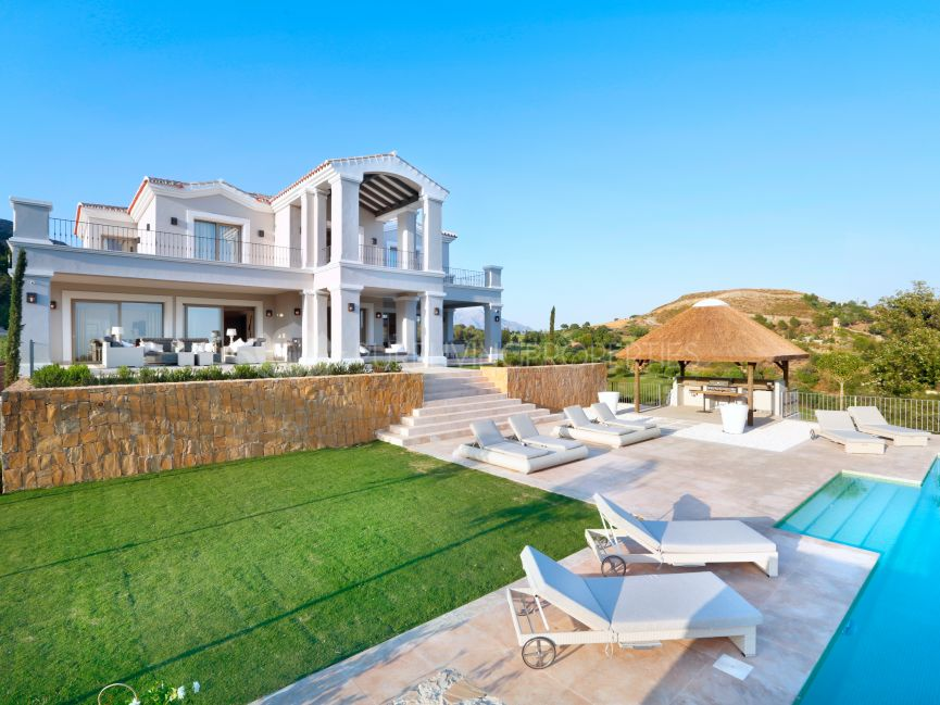 Villa for sale in Marbella Club Golf Resort, Benahavis