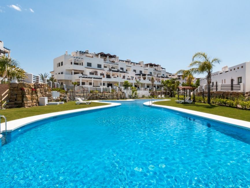 Beautiful apartment in La Resina Golf and Country Club, Estepona