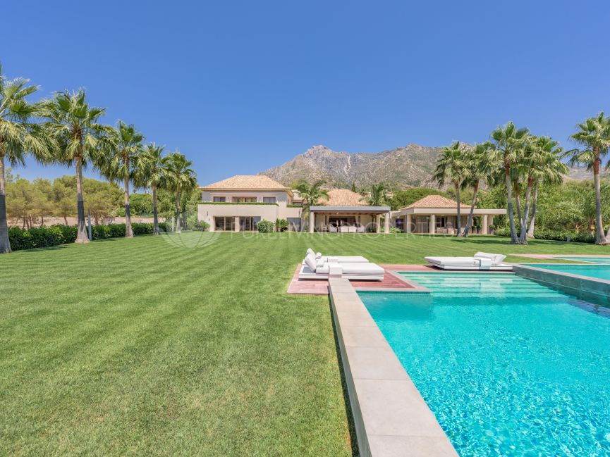 Breath-taking Villa in La Quinta de Sierra Blanca, Golden Mile