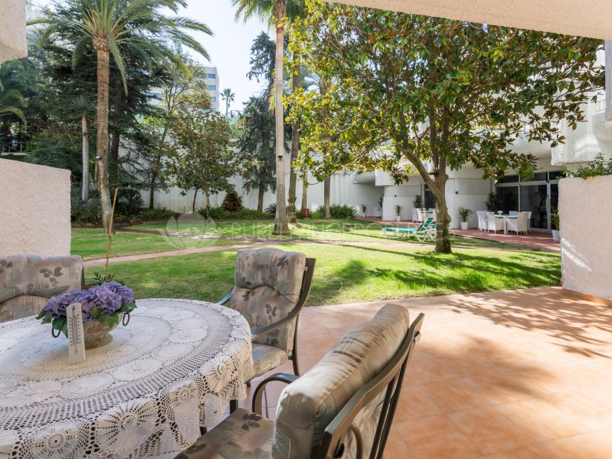 Charming ground floor apartment in Jardines del Mar, Marbella