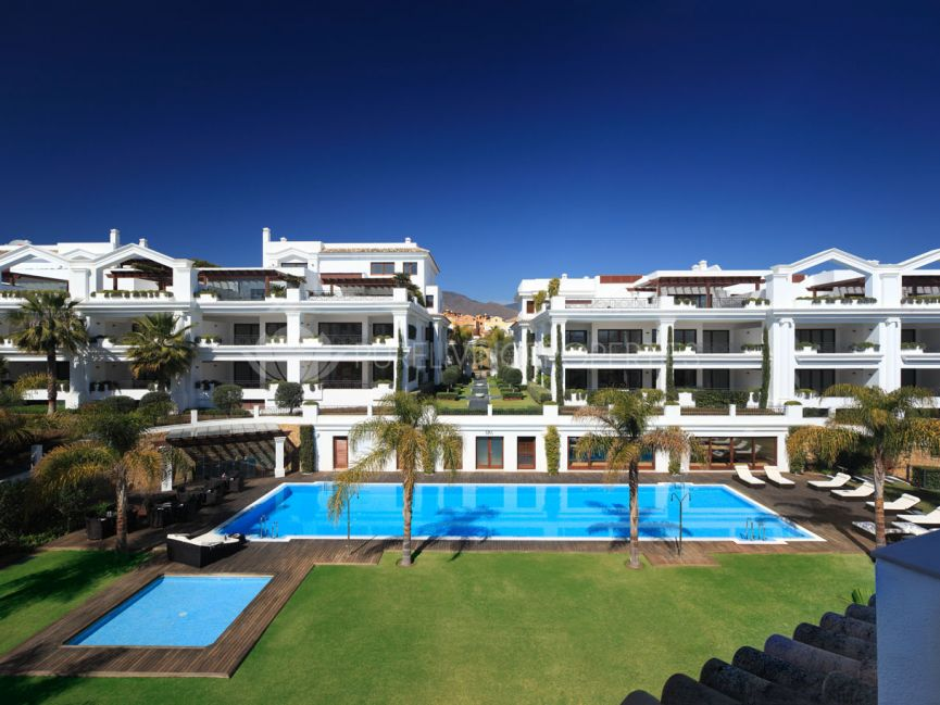 Frontline beach apartment in Estepona