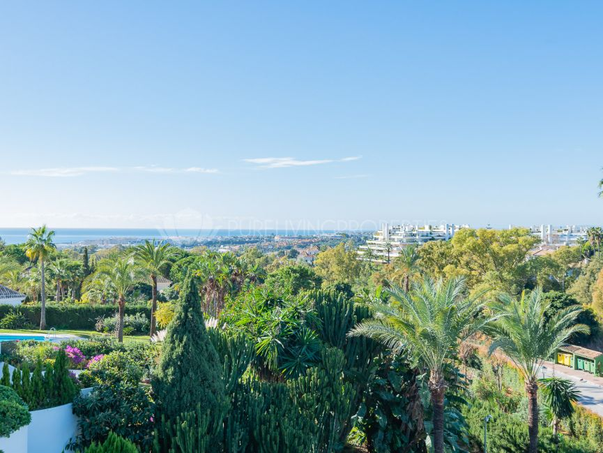Amazing two bedroom apartment on the Golden Mile, Marbella.