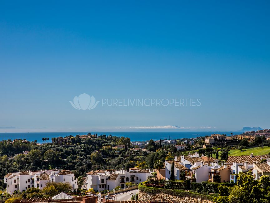 Beautiful ground floor apartment in Reserva de Alcuzcuz, Benahavis.