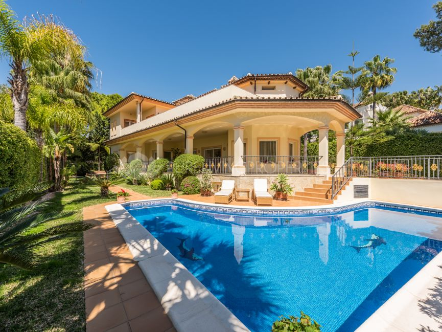 Amazing villa in Altos Reales, Marbella Golden Mile.