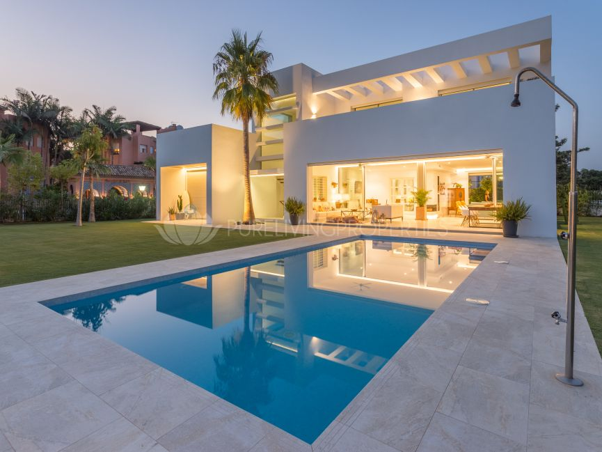 Beautiful four bedroom villa in Casasola, Estepona.