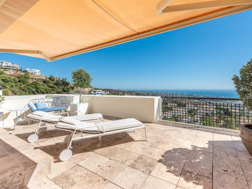 Duplex Penthouse for sale in Los Monteros Hill Club, Marbella East