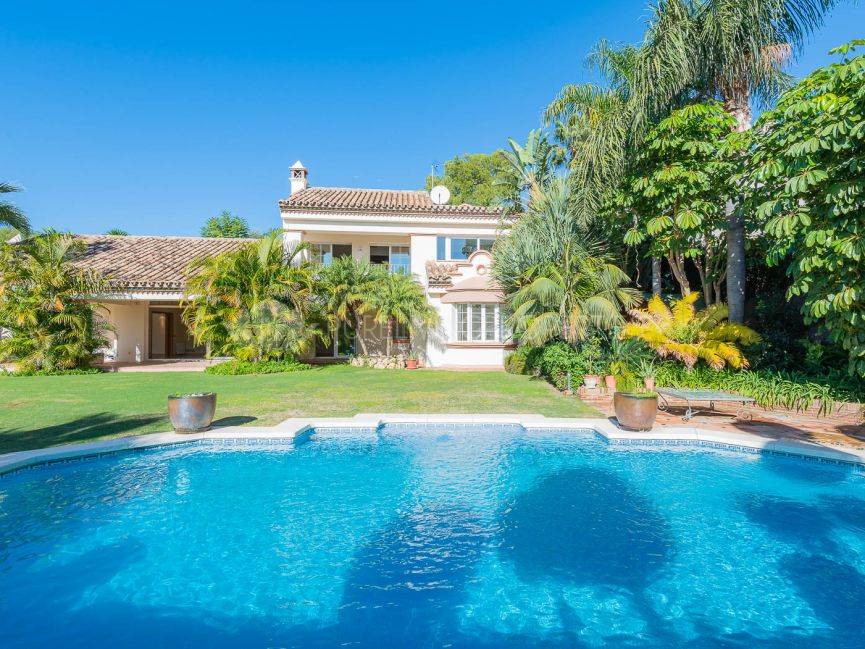 Villa in Altos Reales, Marbella Golden Mile.