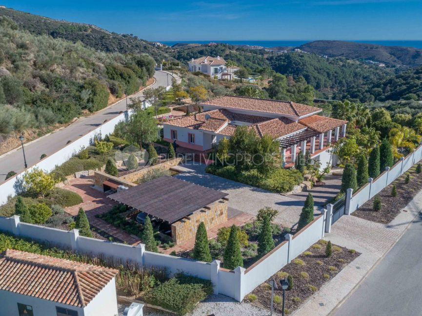 Cortijo style villa with beautiful views in Monte Mayor, Benahavis