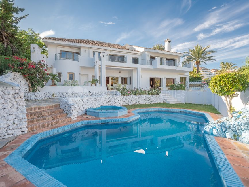 Exclusive gated community villa with panoramic views in Las Lomas Del Marbella Club.