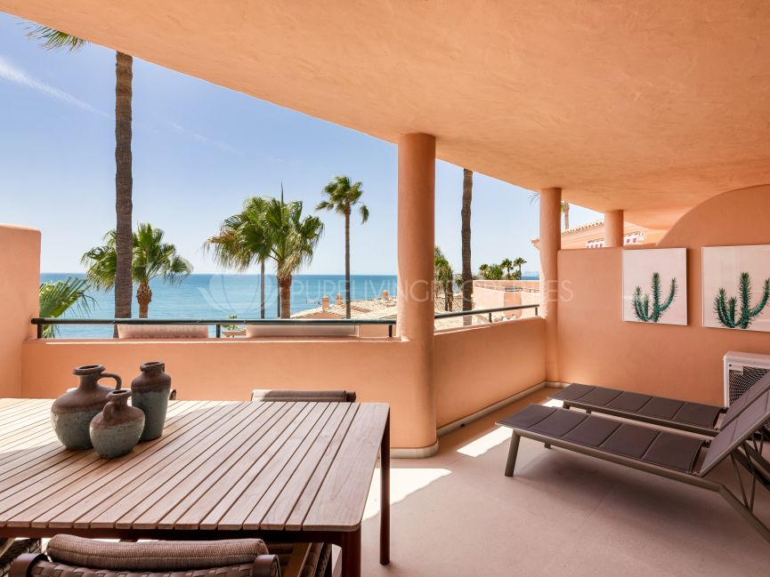 First line penthouse in Bermuda Beach, Estepona