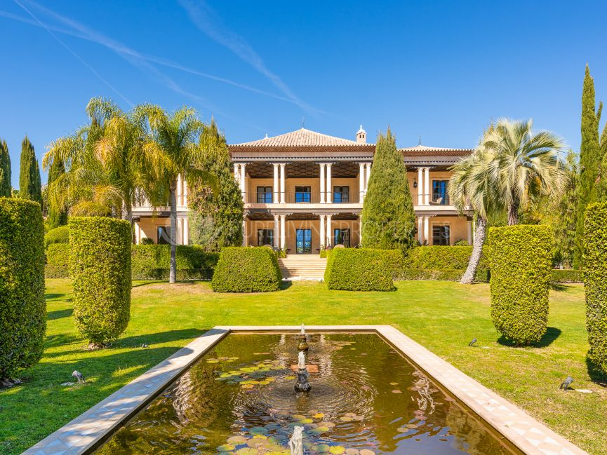 An unparalleled mansion with sea views on Marbella Golden Mile.
