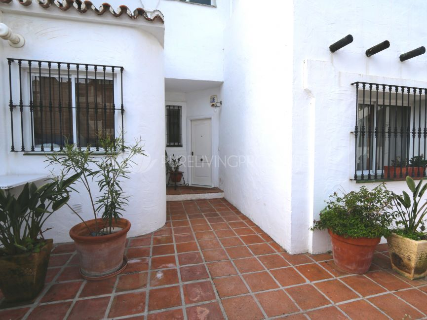 Maison Mitoyenne 4 Chambres á Coucher Dans Los Naranjos de Marbella