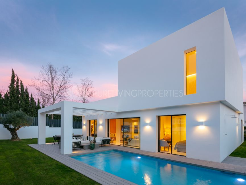 Contemporary design villa in Guadalmina Alta