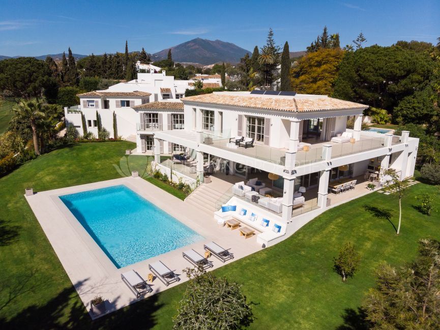 Elegant frontline golf villa in the heart of the Golf Valley