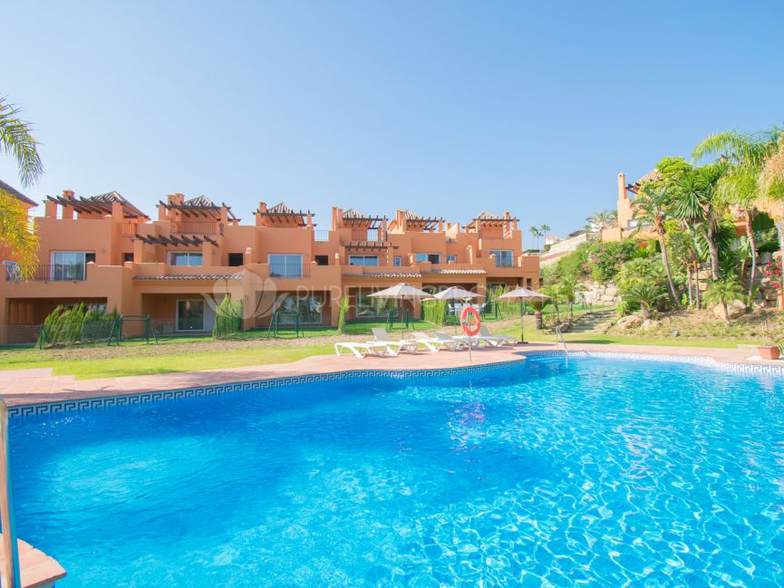 Superb three bedroom townhouse located in the well established Atalaya, Estepona.