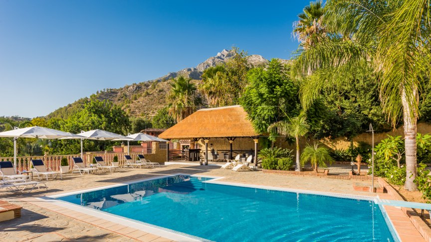 Marbella Golden Mile, Luxury family home in a gated community in the foothills above Marbella