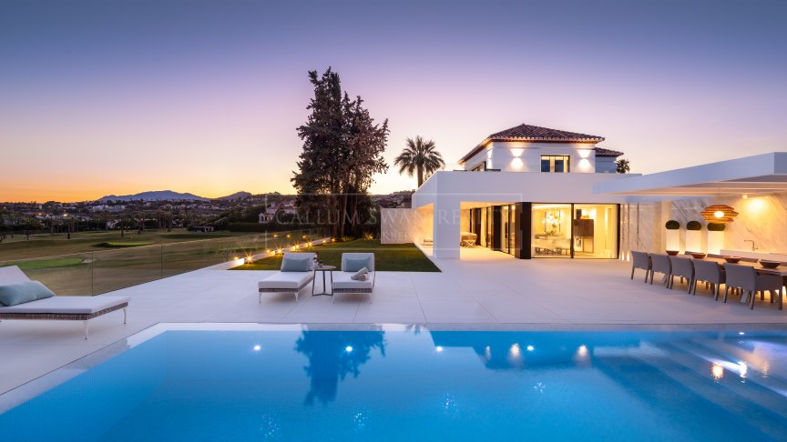 Nueva Andalucia, Gorgeous contemporary luxury villa for sale with panoramic views situated front line on Los Naranjos golf, Marbella