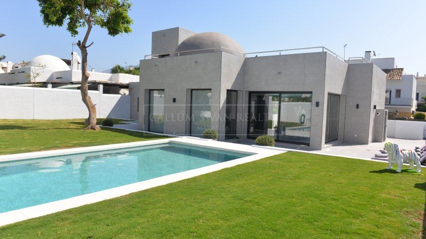 Nueva Andalucia, Cosy family villa completely renovated in contemporary style in Altos del Rodeo