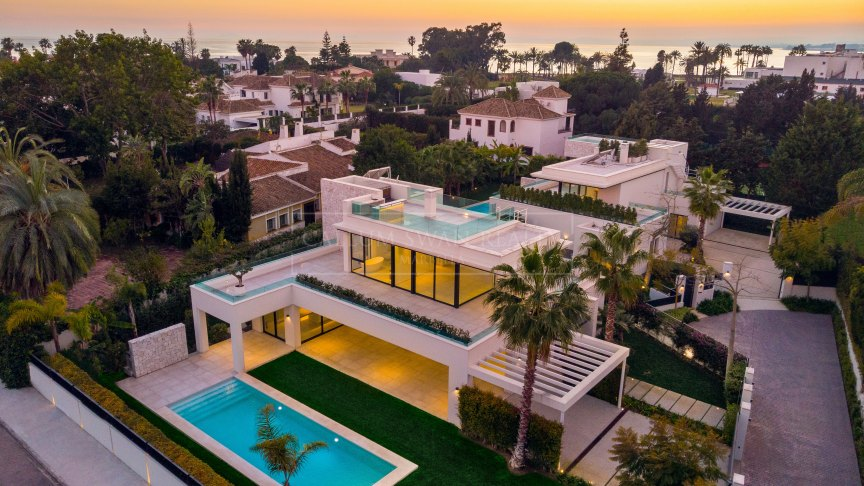 Estepona, Luxurious contemporary villa in Casasola