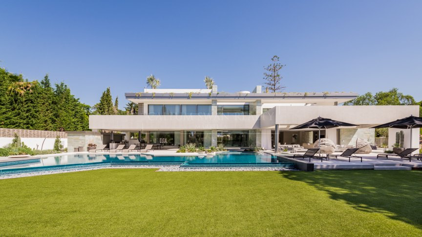 Marbella Golden Mile, Elegant and sophisticated luxury villa in the Marbella Club Hotel