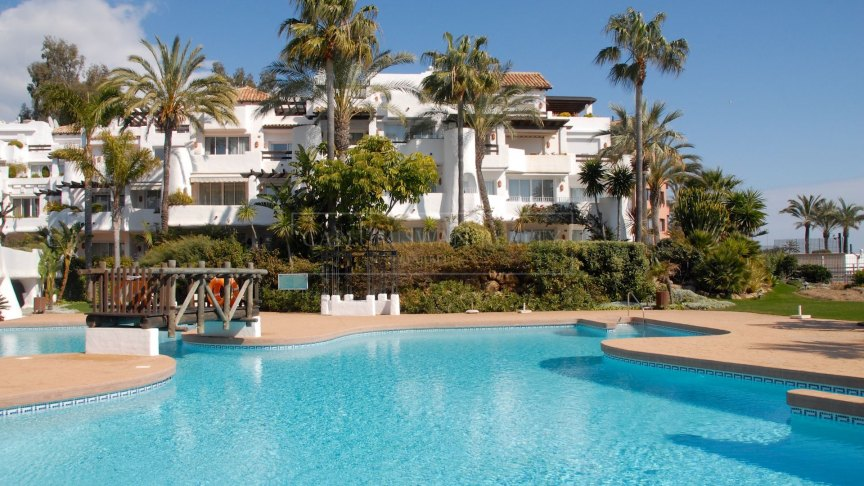 Marbella - Puerto Banus, Frontline beach Duplex Penthouse in a perfect position