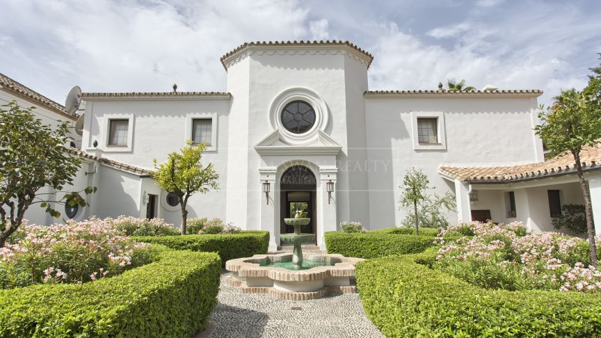 San Pedro de Alcantara, Spectacular Andalusian Cortijo close to the beach in the luxury residential area of Guadalmina Baja in Marbella