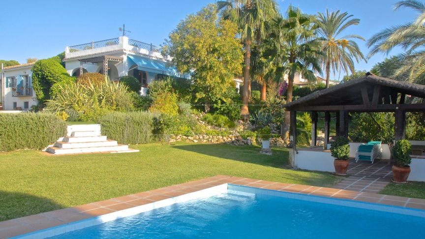 San Pedro de Alcantara, Provençale style country villa walking distance to San Pedro town and the beach