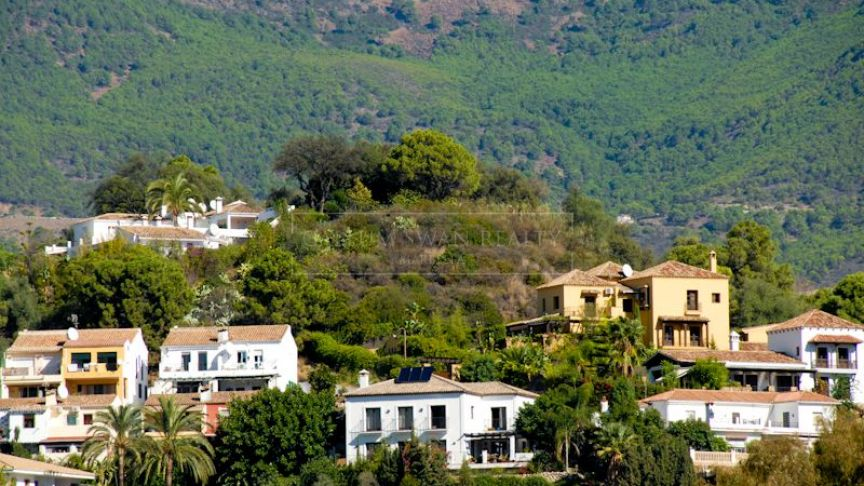 Benahavis, Unique plot of land in the town centre of Benahavis