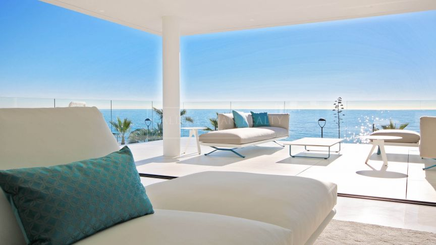 Estepona, Impressive front line beach luxury penthouse in the New Golden Mile