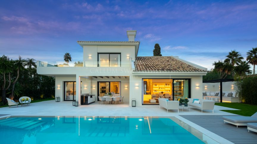 Nueva Andalucia, Luxury Villa with outstanding views, close to Los Naranjos Golf Club in desirable Nueva Andalucia