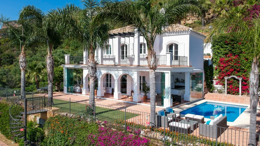 Istan, Charming family villa in Sierra Blanca Country Club
