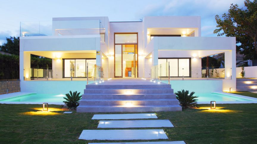 San Pedro de Alcantara, Brand new contemporary villa in Guadalmina Alta